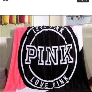 PINK VICTORIAS SECRET blanket